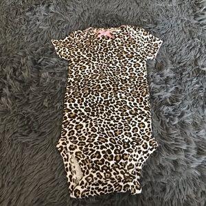 💥4/$20 🆕 CHILD OF MINE Leopard print onesie NWOT